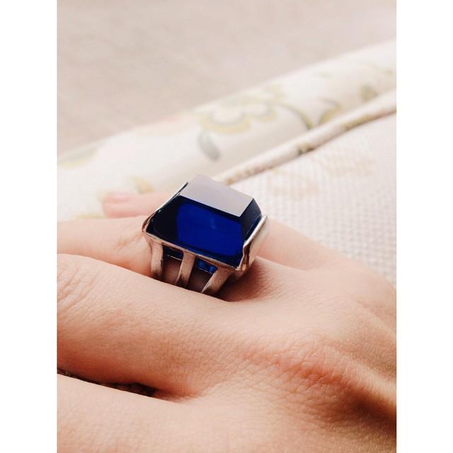 Vintage ring dear @pellocam got meeee weeee #vintagejewellery #bff