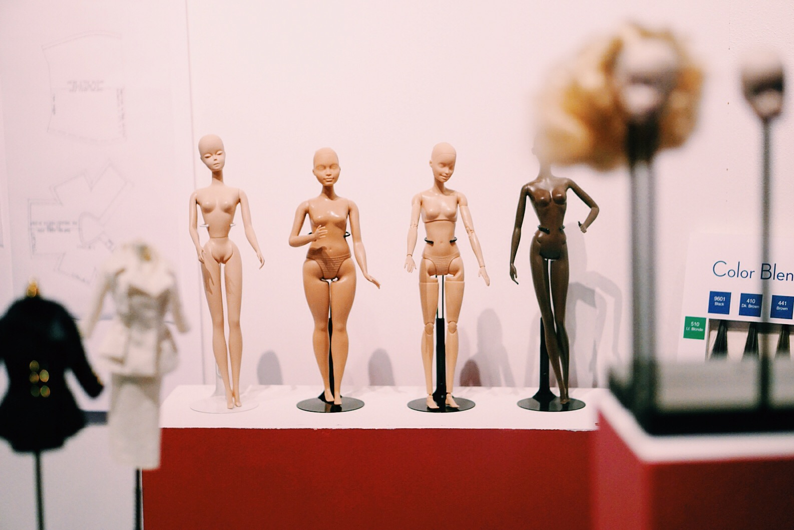 Barbie at Musée des Arts Décoratifs by Helene Vetik www.newkewl.com