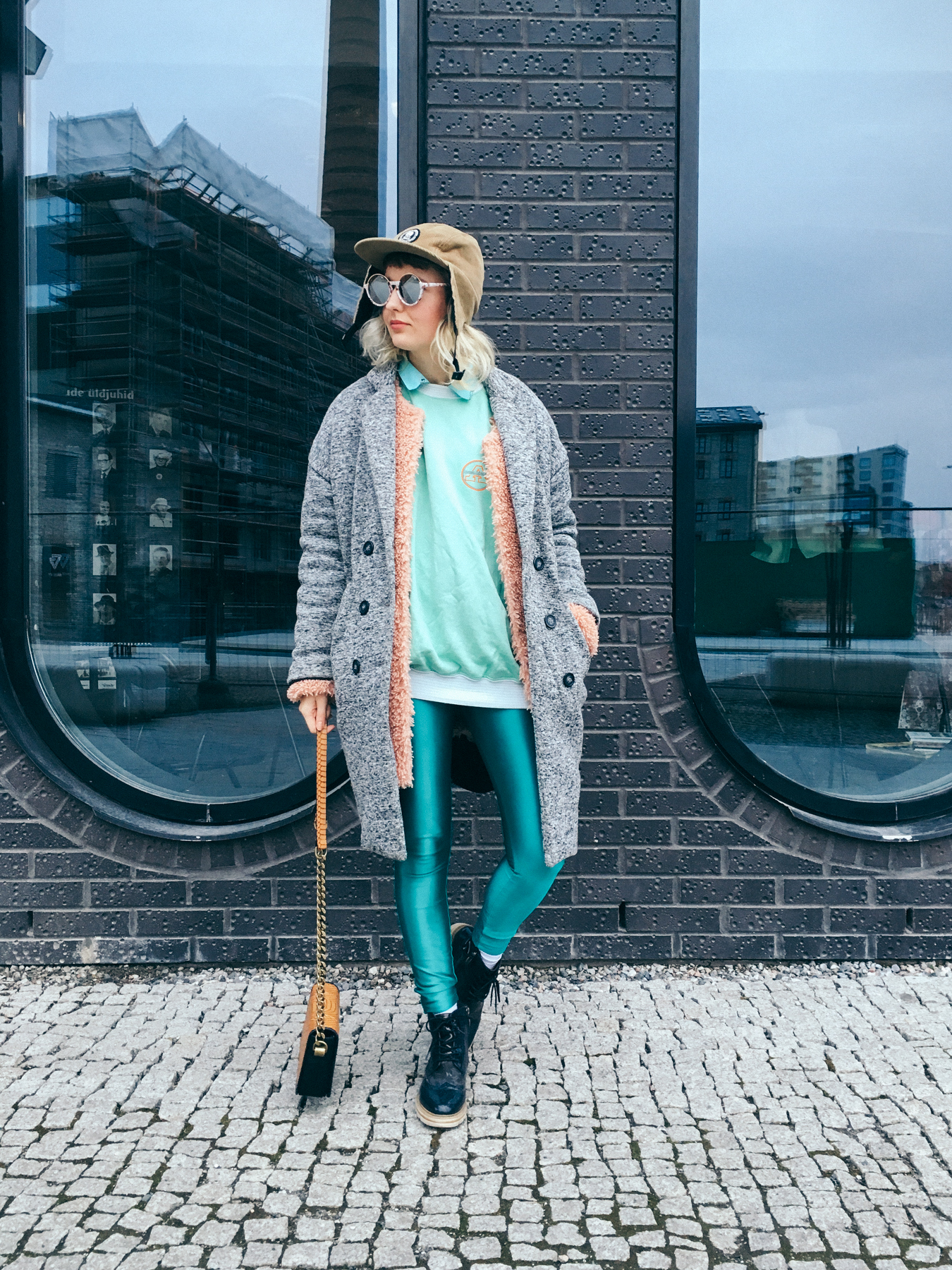 helene_outfit_green